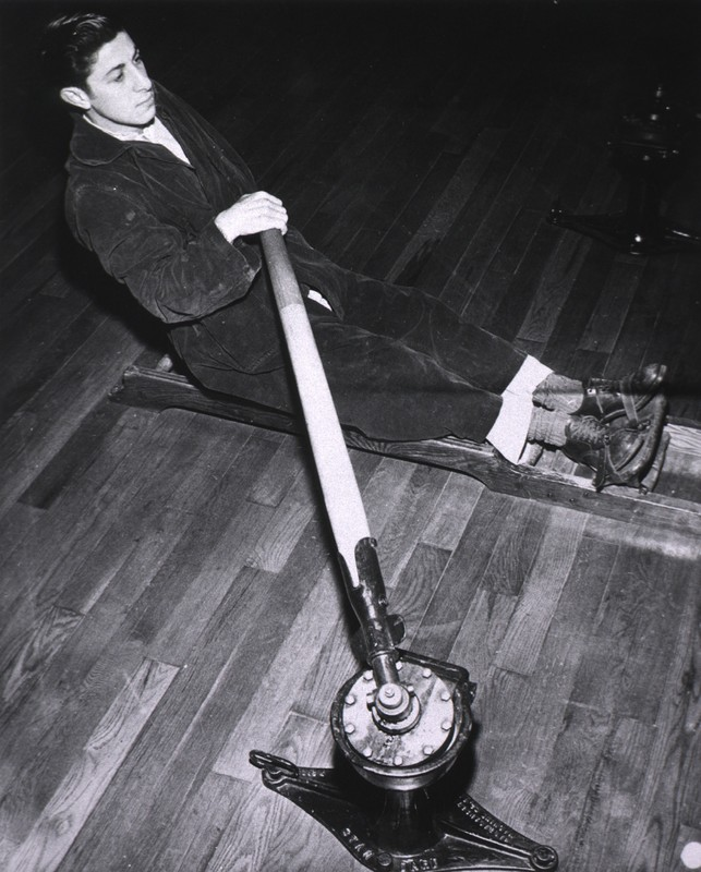 Physical Therapy Department, Deshon General Hospital, Butler, Pennsylvania The rowing machine - general body execise, upper and lower extremities